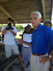 Charlie Crist visits the St Lucie River/Indian River Lagoon October 3, 2014. Photo by Jacqui Thurlow-Lippisch.)